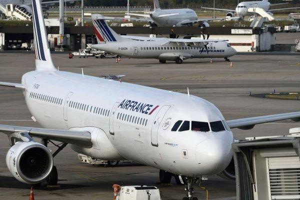 Un avion Air France, le 18 septembre 2014 à l'aéroport d'Orly.