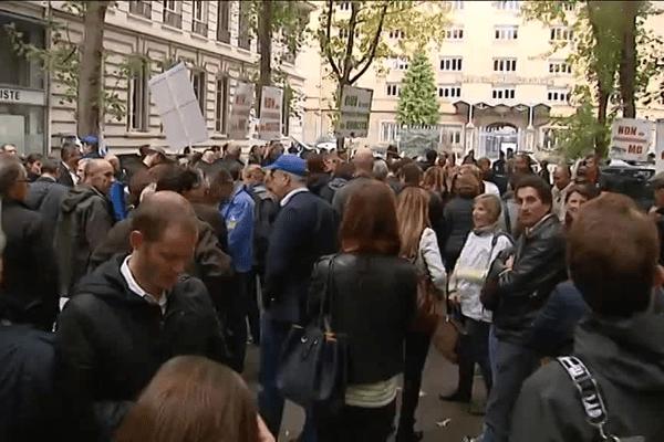 Le rassemblement des médecins généralistes de la préfecture du Rhône (Lyon) ce lundi après-midi - 5/10/15