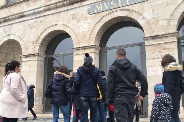 Fil d'attente devant le musée des Beaux-arts de Besançon le dimanche 30 décembre 2018.