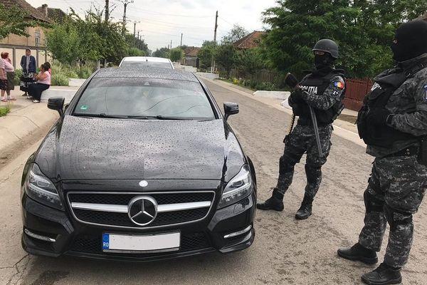 Avec l'argent de la prostitution, les chefs du réseau se payaient des villas et des voitures de luxe en Roumanie