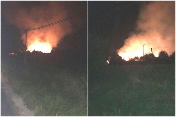 Le feu a embrasé le hangar dans la soirée du mardi 8 septembre 2021.
