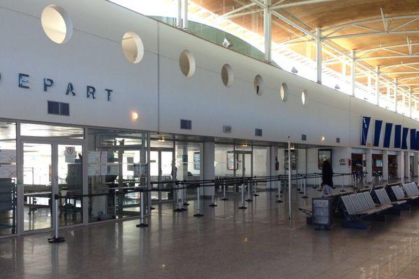 Aérogare de l'aéroport de Calvi-Sainte-Catherine, en Balagne (Haute-Corse).