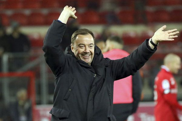 La joie d'Olivier Delcourt, président du DFCO, après la victoire de Dijon sur le Stade Rennais samedi 23 novembre 2019, dans le cadre de la 14e journée de Ligue 1.