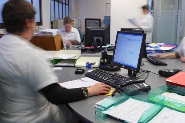 L'assistant(e) médical(e) soulage le médecin dans ses tâches quotidiennes et administratives