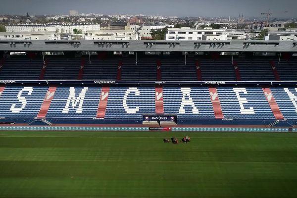 Les travées du stade d'Ornano privées de supporters.