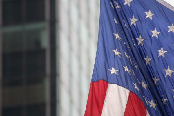 Les américains doivent désigner un président et un vice-président, ainsi que 435 membres de la chambre des Réprésentants, et un tiers des 100 Sénateurs et des scrutins locaux