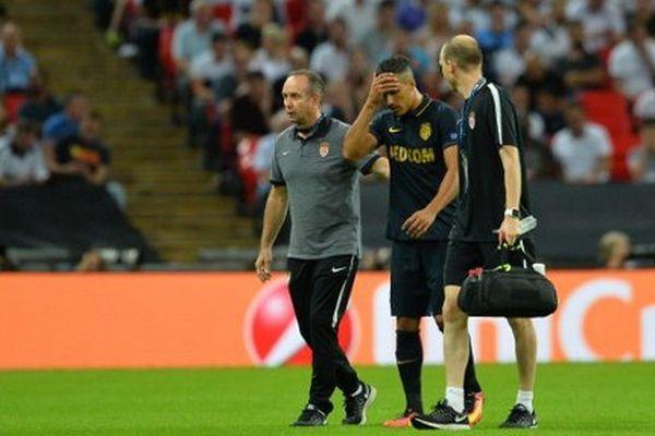 Remplacé dès la 3e minute de jeu de la rencontre de Ligue des champions hier mercredi, Dirar, souffre d'un claquage au mollet gauche.
