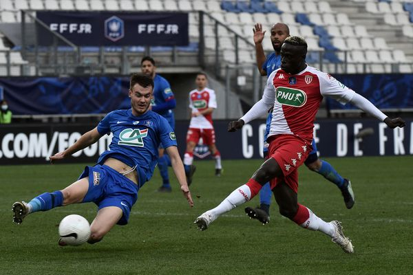 Le défenseur du GF38 Bart Straalman lors du match contre Monaco en Coupe de France mercredi 10 février 2021.
