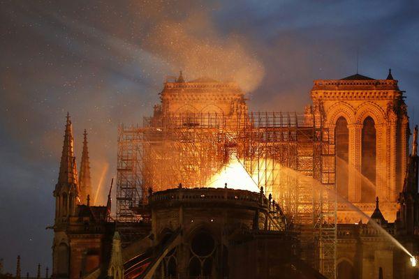 Plusieurs collectivités de la région Occitanie ont débloqué des fonds exceptionnels, au lendemain de l'incendie de Notre-Dame.