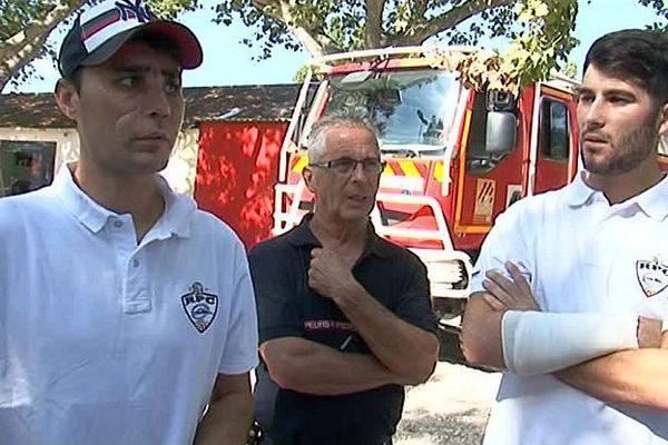 Pézilla-la-Rivière (Pyrénées-Orientales) - Guillem et Mathieu, 2 des 3 pompiers blessés le 13 juillet à Baho reviennent à la caserne - 19 août 2016.