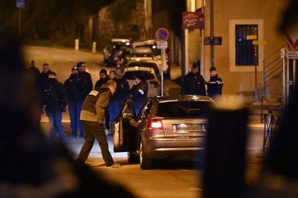 Une reconstitution du meurtre d'Arthur Noyer à Chambéry en présence de son meurtrier présumé, Nordahl Lelandais, le 21 mars 2019.
