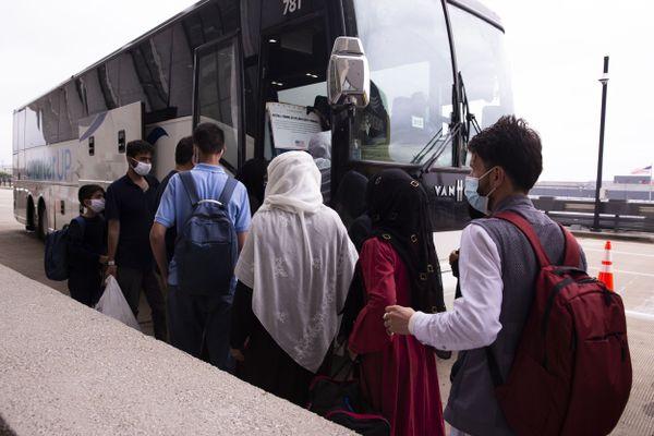 Des réfugiés Afghans évacués vers les USA, mais aussi en France après la prise de pouvoir des talibans dans la capital Kaboul