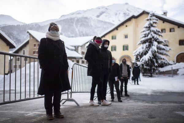 En Suisse, dans le canton des Grisons, une vaste opération de tests de la population est menée pendant le weekend des 12 et 13 décembre.