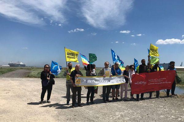 Une quinzaine de militants manifestent à Fos-sur-Mer