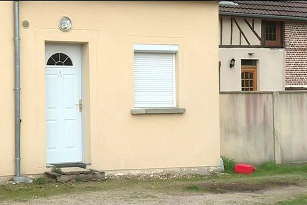 C'est devant cette maison d'Auneuil que le drame s'est produit.