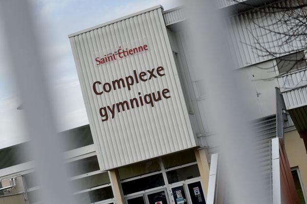 Une enquête a été ouverte par le Parquet de Saint-Etienne le 23 février 2021 après deux plaintes d'anciennes gymnastes du Pôle France. Elles accusent un entraîneur bénévole de l'époque d'agressions sexuelles.