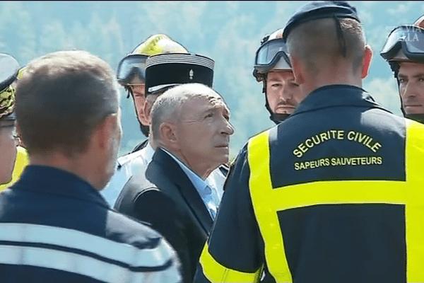 Gérard Collomb en déplacement en Corse après l'incendie de Palneca