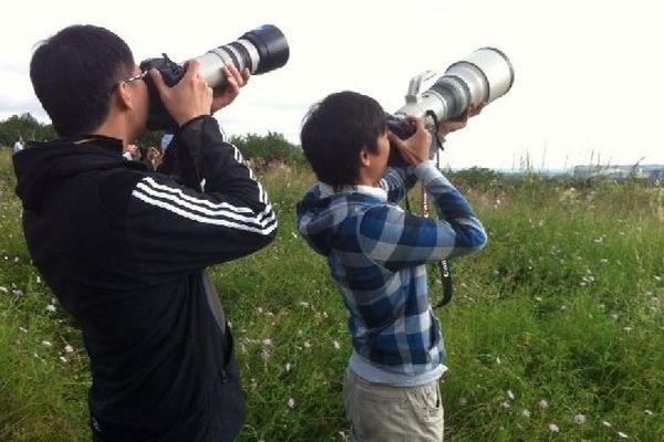 Maoyi et Jerry, fans d'avions, sont venus de Chine pour photographier le 1er vol de l'A350