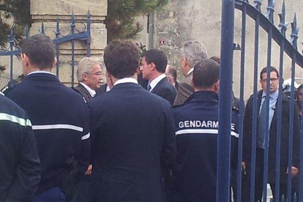 Le Premier ministre, Manuel Valls est à Puisseguin ce vendredi matin.