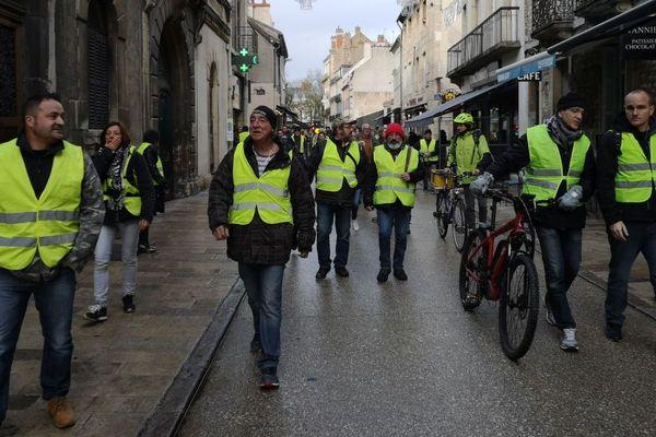 Des gilets jaunes à Dijon lors du deuxième week-end de mobilisation, le samedi 24 novembre