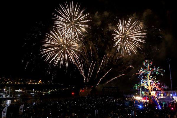 Le feu d'artifice fait son retour à Nice ce 15 août, une première depuis l'attentat de la Promenade des Anglais.