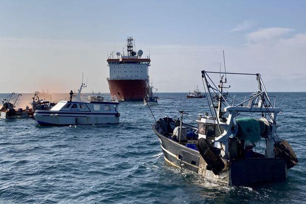 En juin 2011 encore, des pêcheurs se sont mobilisés pour stopper les travaux du parc éolien en baie de Saint-Brieuc.