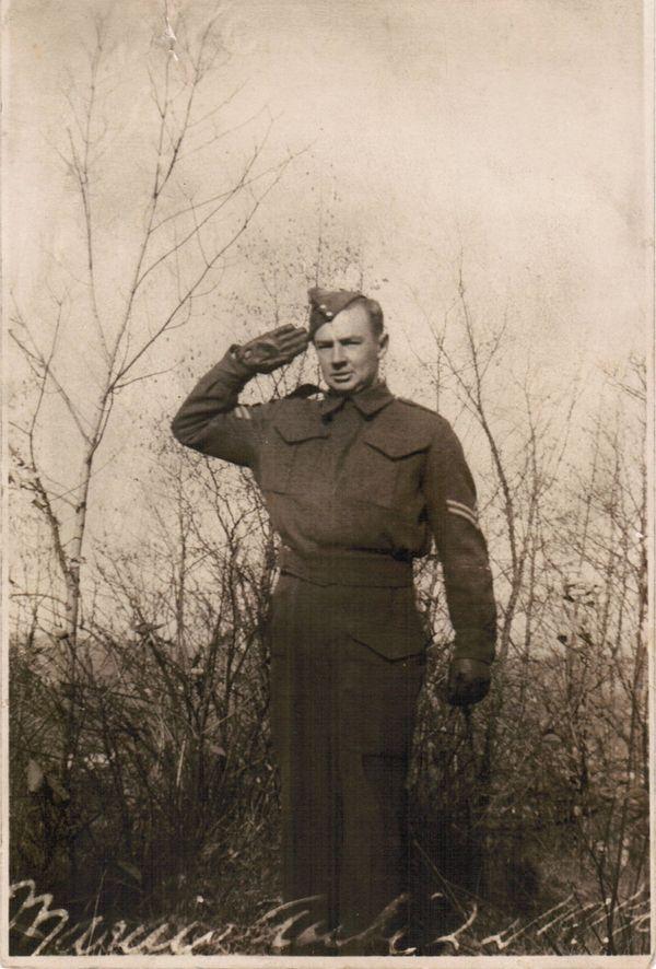 Marius Aubé appartenait au Royal Canadian Army Service Corps
