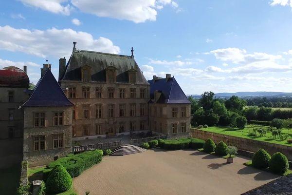 Ain : le château de Fléchères est en vente