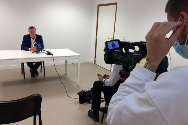 Gael Pelletier a organisé une conférence de presse ce dimanche 10 octobre, après avoir été accusé d'avoir tenu des propos homophobes ce vendredi 8 octobre.
