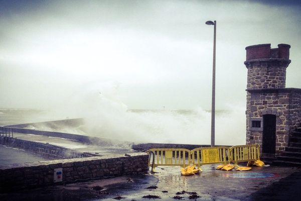 Le port de Lomeneur à Ploemeur (56), ce 14 février à 16h