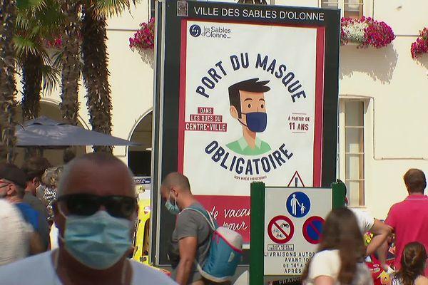 Le port du masque était obligatoire cet été aux Sables d'Olonne, il l'est désormais à la Roche-sur-Yon