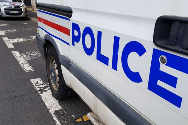 Lundi 21 septembre, la police a saisi 500 pieds de cannabis dans deux camps du voyage près de Clermont-Ferrand.