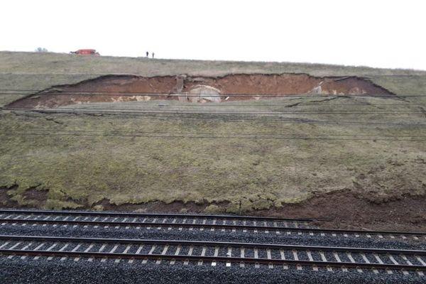 Le train a engendré un affaissement de terrain au niveau d'Ingenheim.