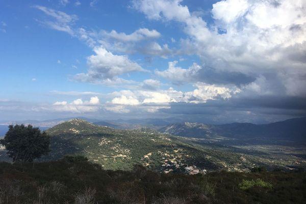La Corse, une montage dans la mer...