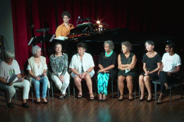 Vendredi 24 septembre, Les Fabuleuses, 8 femmes qui souffrent d'un cancer des ovaires, ont chanté pour sensibiliser au dépistage.