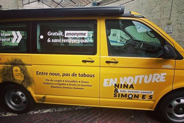 Inratable, le van Nina et Simon.e.s sillonne depuis le 4 février les villages du Nord et de l'Aisne.