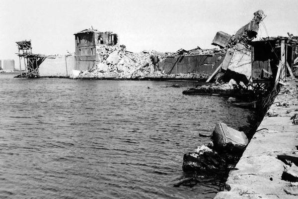 Le port et le phare ont été totalement anéanti en 1944