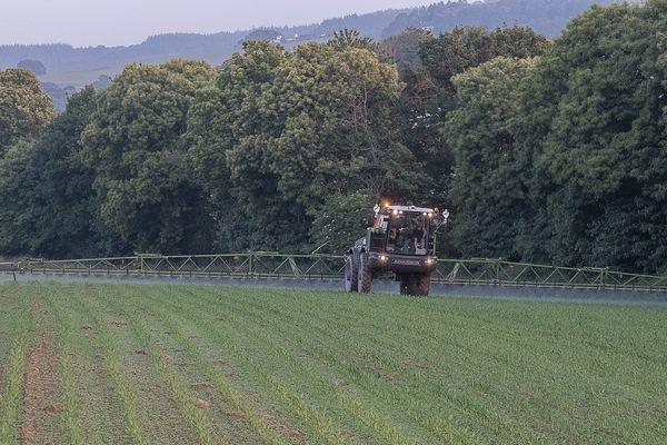La commune de Revest-des-Brousses (04) refuse l'utilisation des pesticides sur son territoire