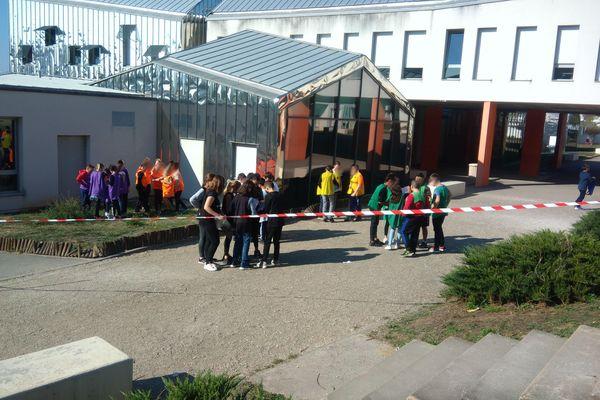 Avant chaque vacance scolaire, les élèves sont répartis en groupes de 5 pour un escape game éducatif à St Dizier en Haute-Marne.