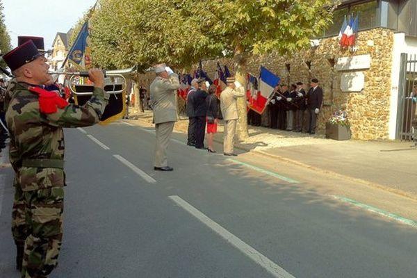 Cérémonie à Saint-Malo pour 100 villes, 100 drapeaux.