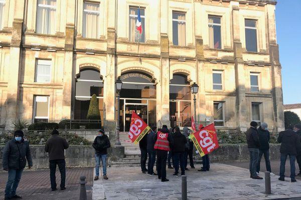 Une vingtaine de salariés de Verallia ont demandé à être reçu par un conseiller d'Emmanuel Macron.