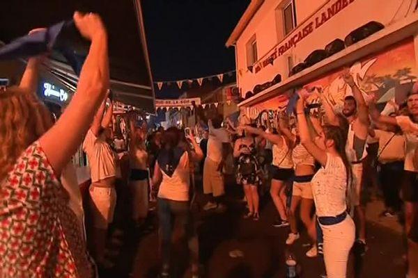 Les festayres dans les rues de Mont-de-Marsan.