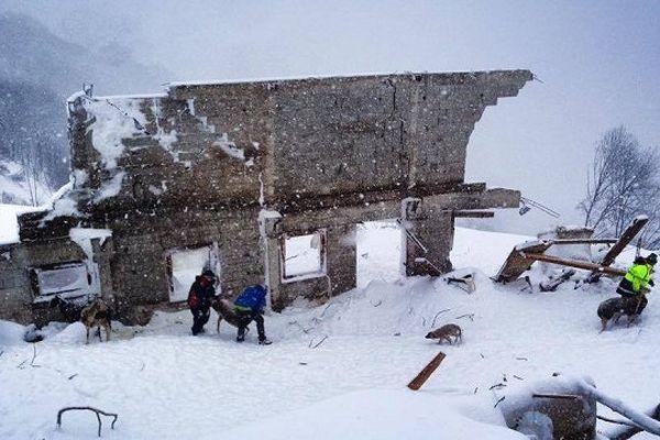 La bergerie a été entièrement détruite par l'avanche