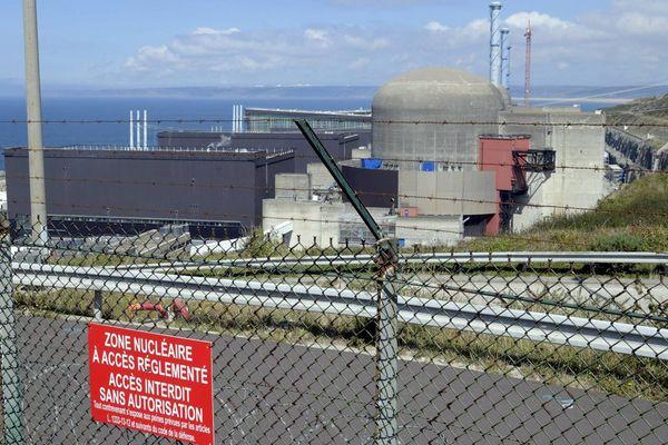 La centrale nucléaire de Flamanville dans le Cotentin