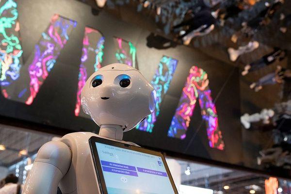 Le robot Pepper, icone des nouvelles technologies au salon Vivatech où les start-up côtoient les grandes entreprises de l'innovation à la Française