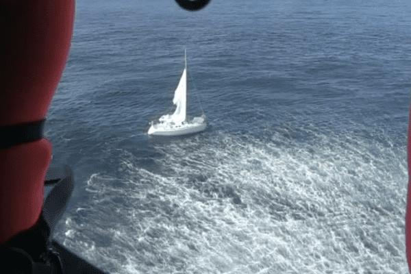 Intervention de la Marine Nationale (depuis l'hélicoptère Caïman)