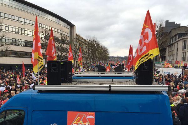 Important rassemblement ce matin cours Clmenceau à Rouen