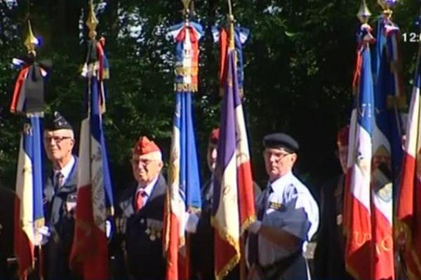 Les porte-drapeaux.