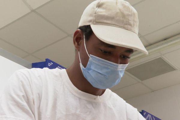 A 24 ans, Souleymane, embauché en CDI dans une boulangerie de Fabrègues, dans l'Hérault, va devoir quitter le territoire français sous 30 jours.