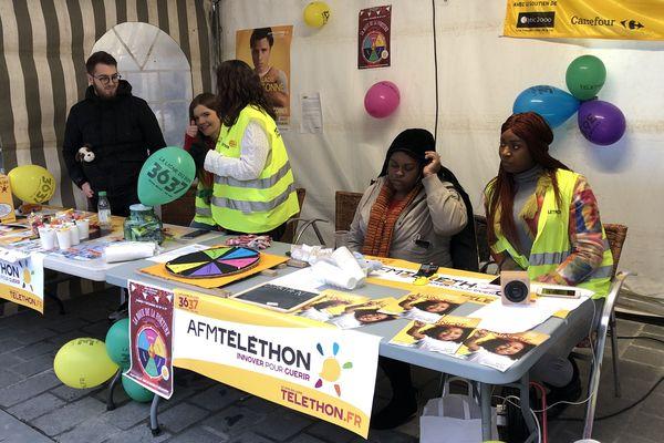 Des jeunes de la mission locale mobilisés à Reims pour recueillir des dons pour cette 33ème édition du Téléthon.